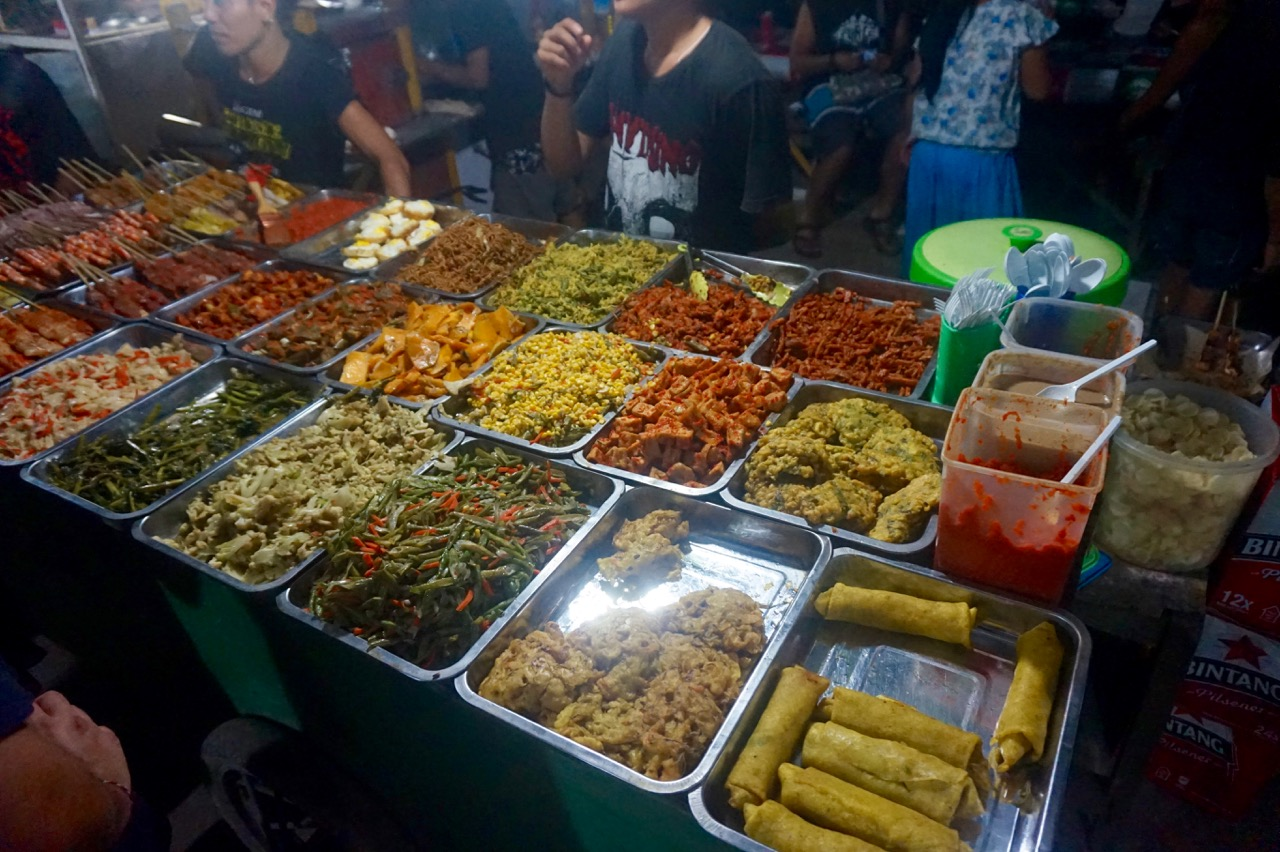 Gili Trawangan Night Food Market that sold nasi campur (5 items for 20,000 / $2 CAD)